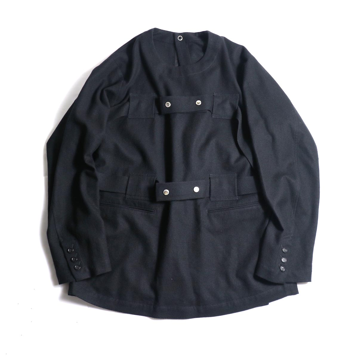 The Soloist / sj.0023b crew neck strapped medical jacket.正面