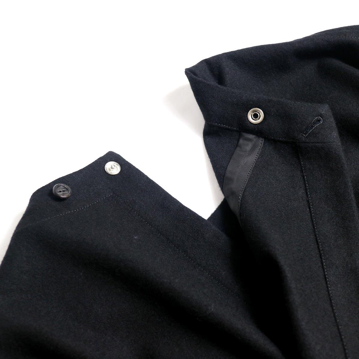The Soloist / sj.0023b crew neck strapped medical jacket.背面ボタン開閉