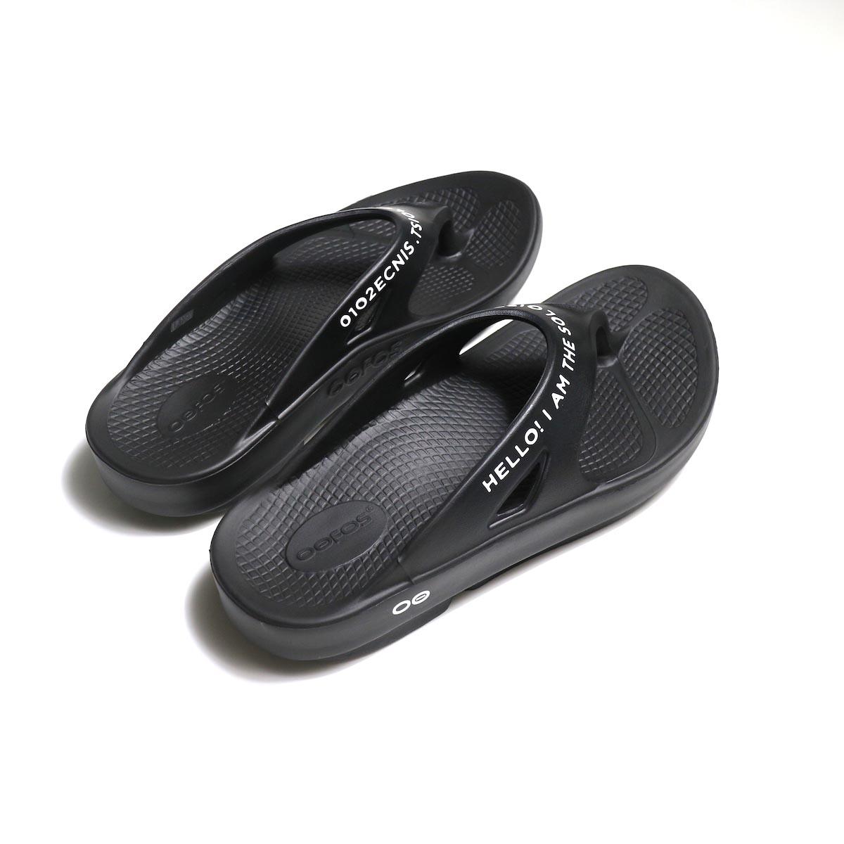 The Soloist / sof.0007 signature flip-flop. (black×white)斜め後ろ
