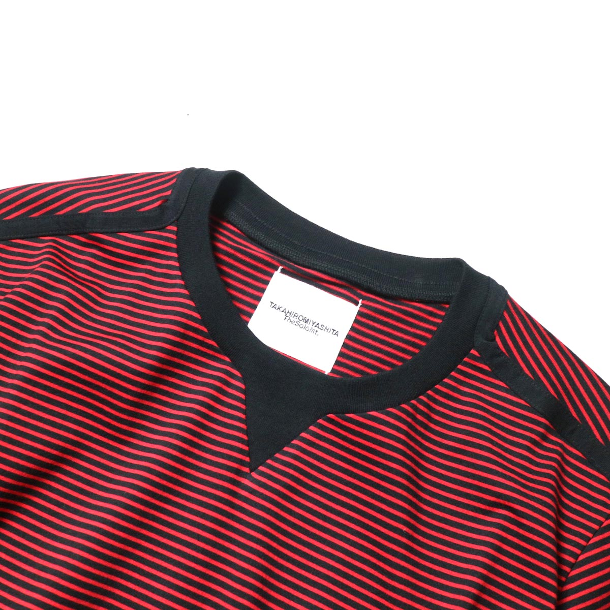 The Soloist / swc.0009a crew neck s/s striped tee. (Black × Red)ネック