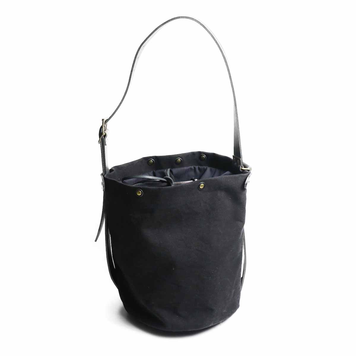 "Suolo / Shoulder Bag ""SAND"" -Black"