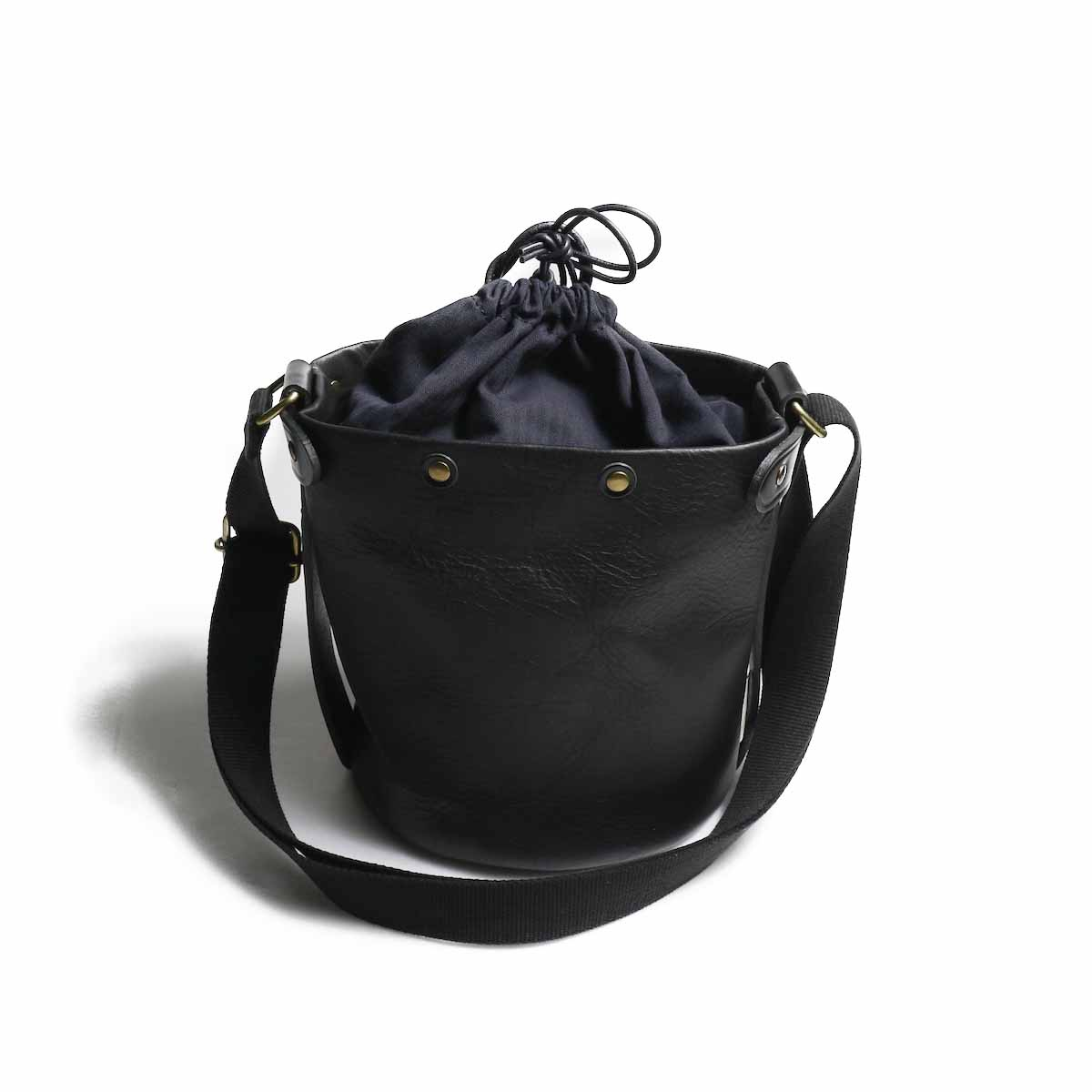 "Suolo / Shoulder Bag ""SAND mini leather"" -Black"