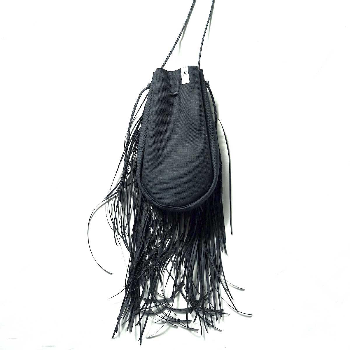 吉岡衣料店 × TAITAI / FRINGE DRAWSTRING BAG S 背面、織りネーム
