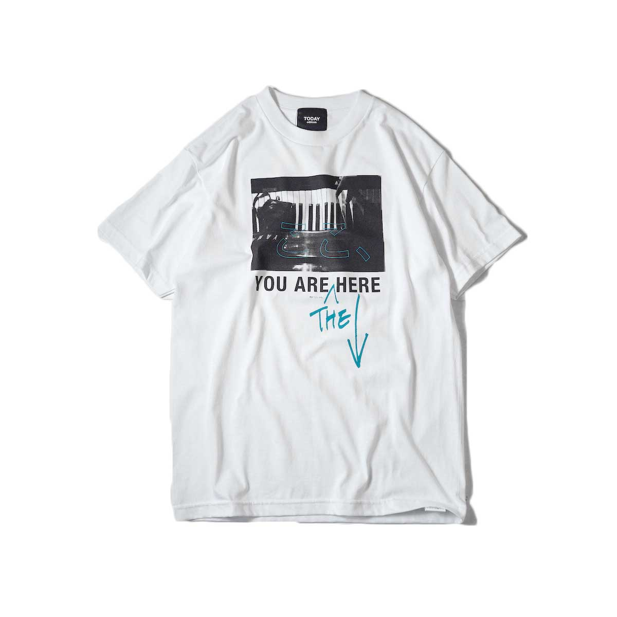 TODAY edition / ここ、Piano SS Tee (White)