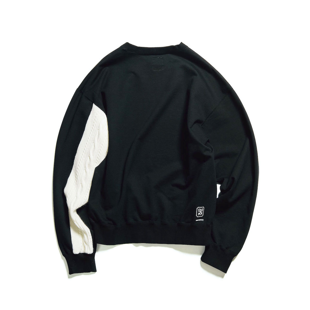 uniform experiment / SLEEVE PANELED CREWNECK SWEAT (Black)