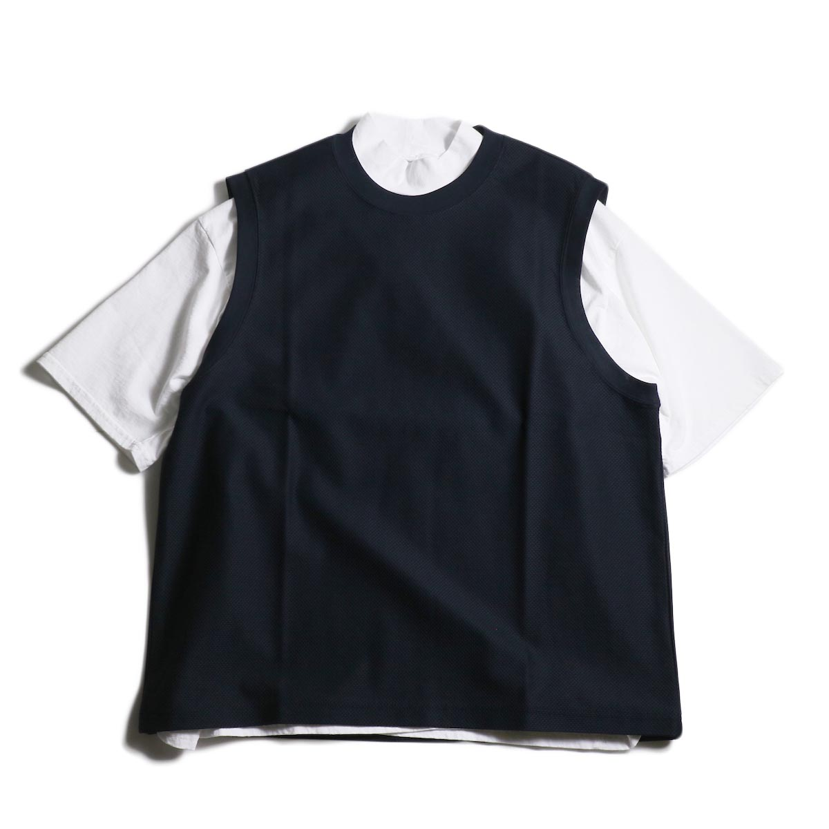 UNIVERSAL PRODUCTS /  PIQUE VEST (Navy)正面