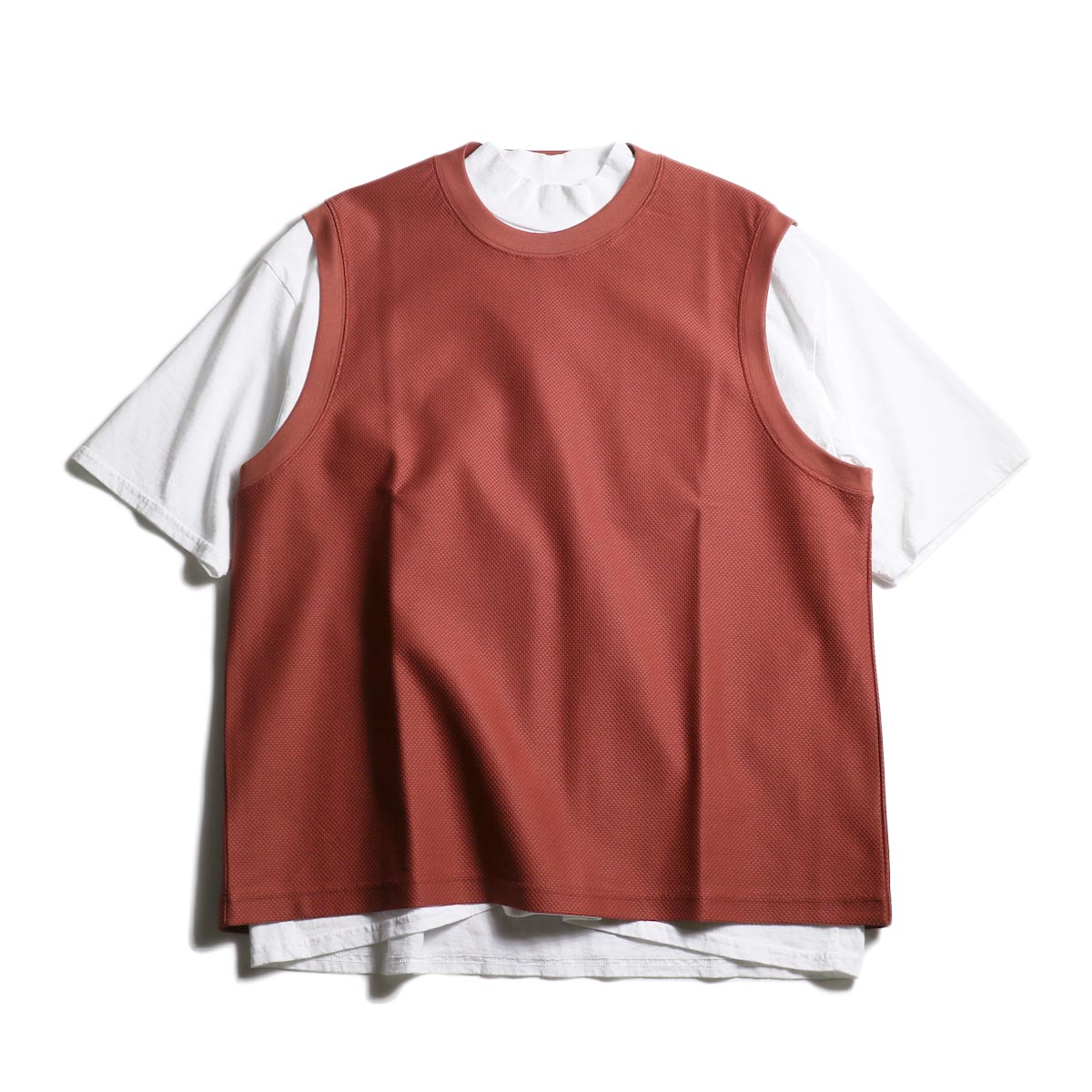 UNIVERSAL PRODUCTS /  PIQUE VEST (Smoke Orange)