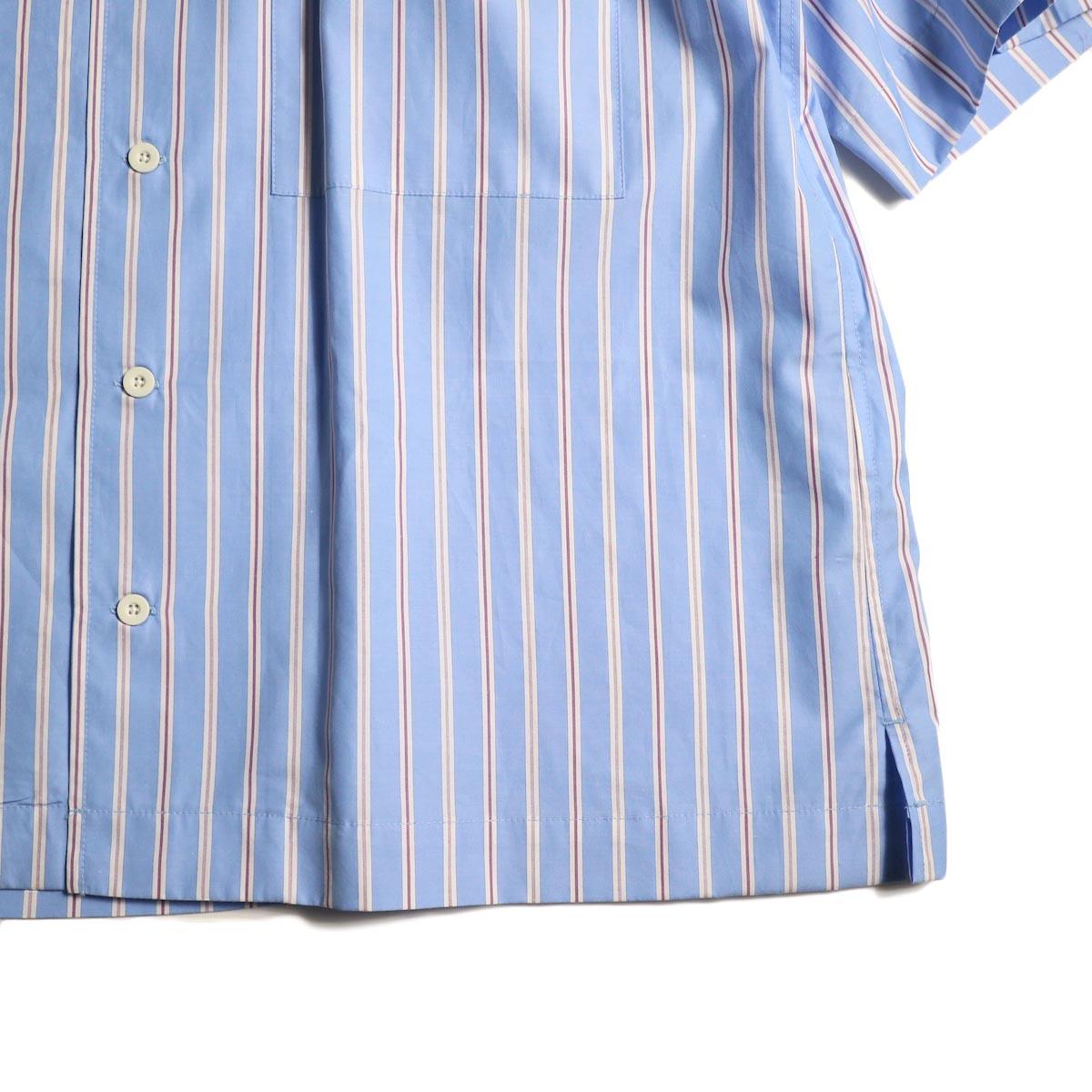 UNIVERSAL PRODUCTS /  STRIPE OPEN COLLAR S/S SHIRT (Sax Stripe)裾