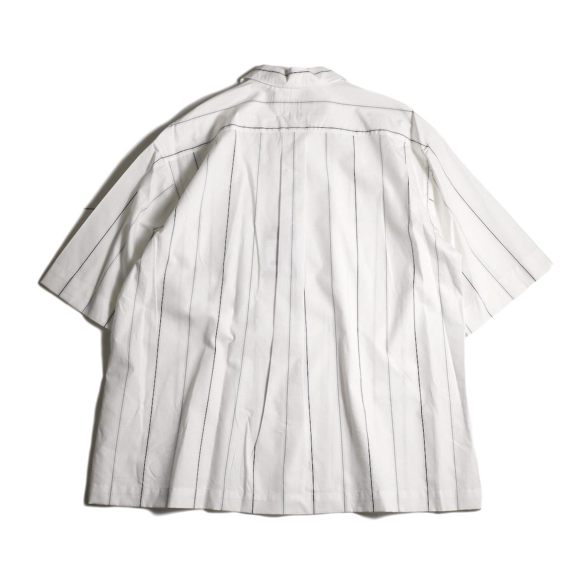 UNIVERSAL PRODUCTS /  STRIPE OPEN COLLAR S/S SHIRT (White Stripe)背面