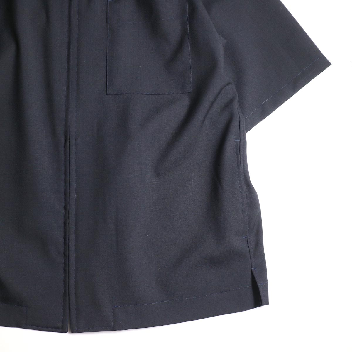 UNIVERSAL PRODUCTS /  SUMMER WOOL ZIP FRONT S/S SHIRT (Navy)裾、ポケット