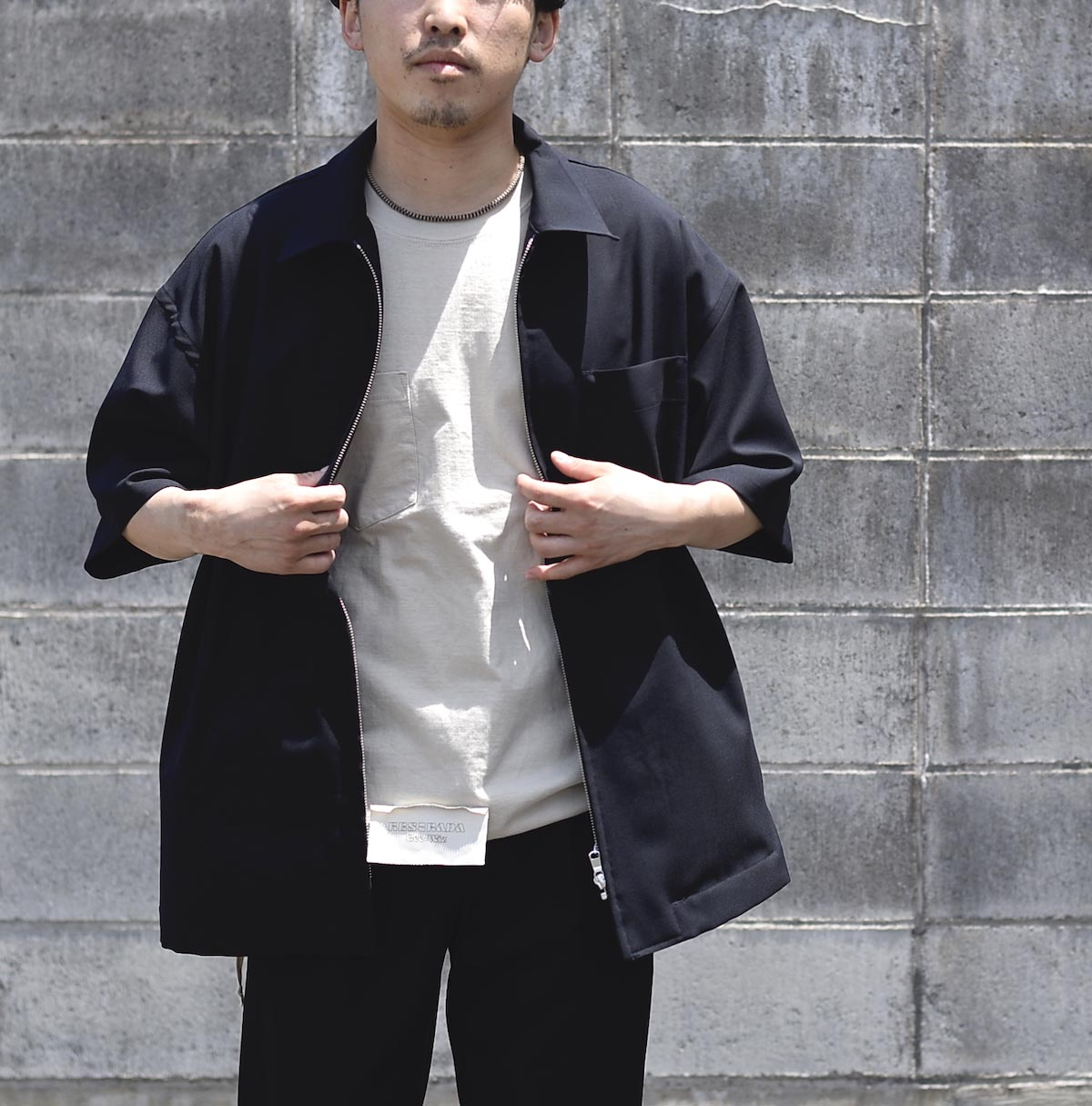 UNIVERSAL PRODUCTS /  SUMMER WOOL ZIP FRONT S/S SHIRT (Navy)162cmサイズ2着用