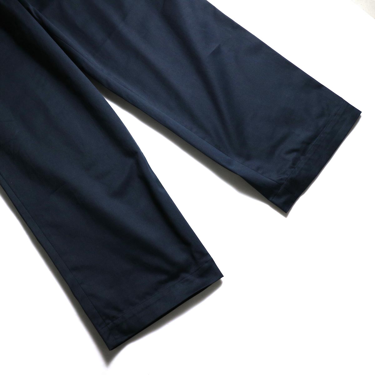 UNIVERSAL PRODUCTS / No Tuck Wide Chino Trousers (Navy) 裾