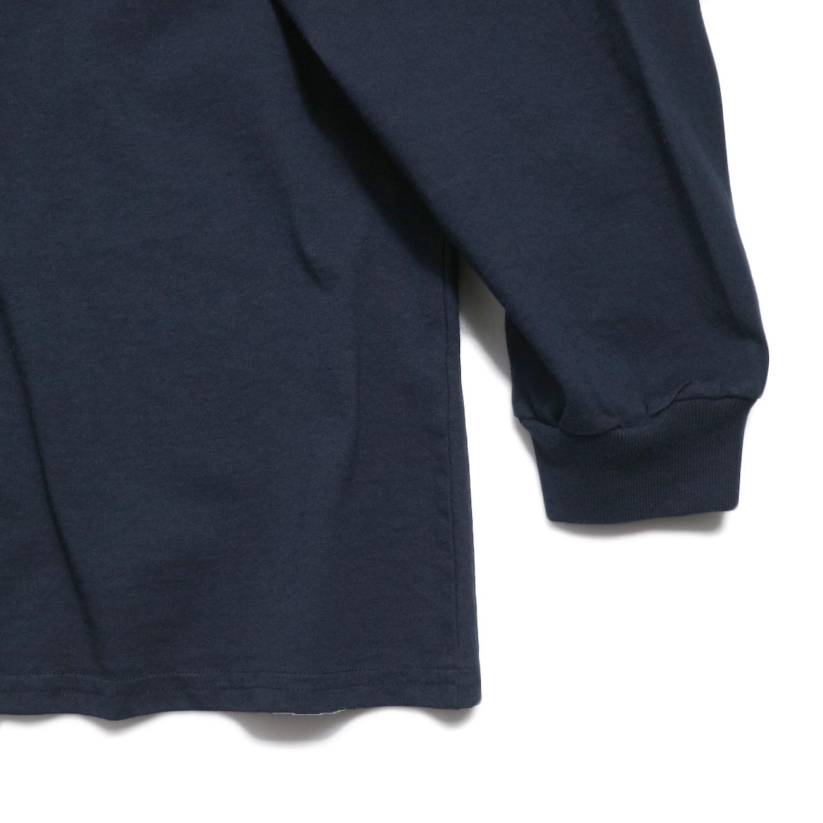 UNIVERSAL PRODUCTS / Heavy Weight L/S T-Shirt -Navy 裾、袖