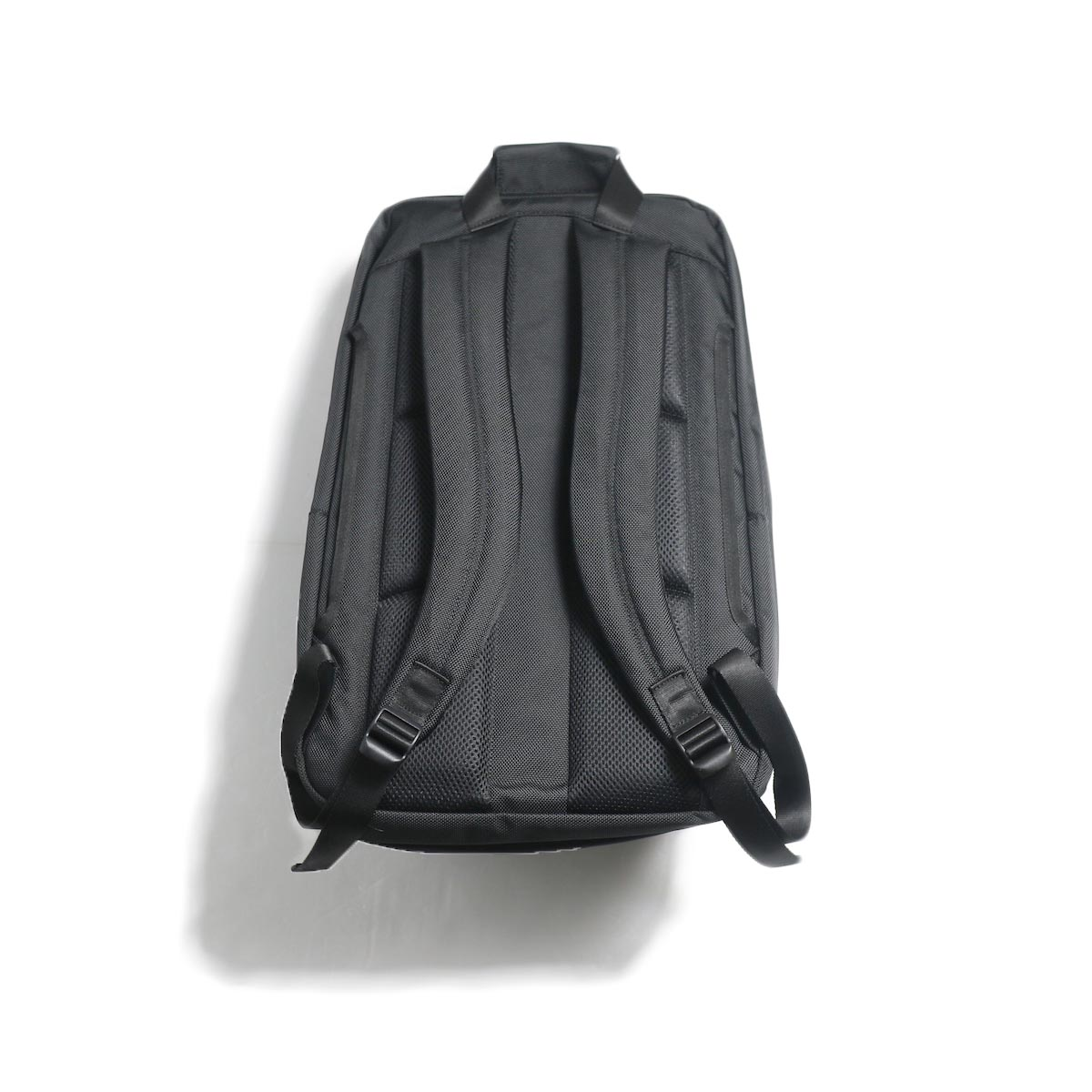 UNIVERSAL PRODUCTS / New Utility Bag -Black 背面