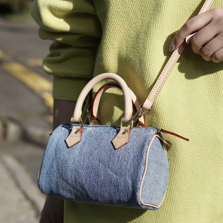 UNUSED / UH0559 Denim Shoulder Bag (indido) 使用イメージ