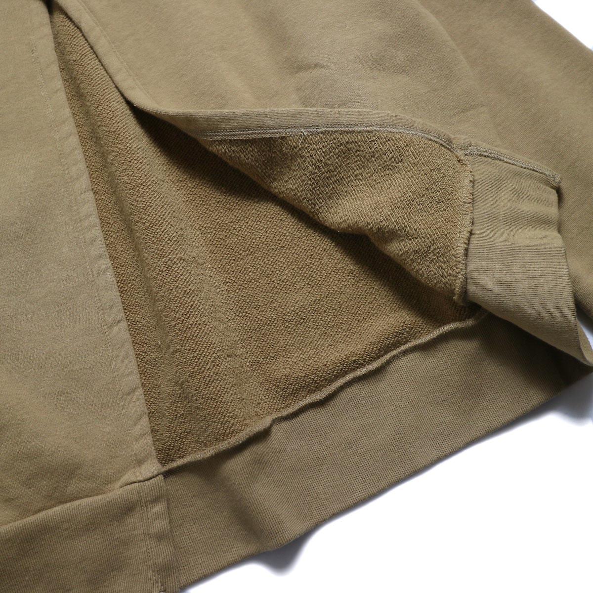 UNUSED / US1530 Crew Neck Sweat Shirt -CAMEL  背面スリット