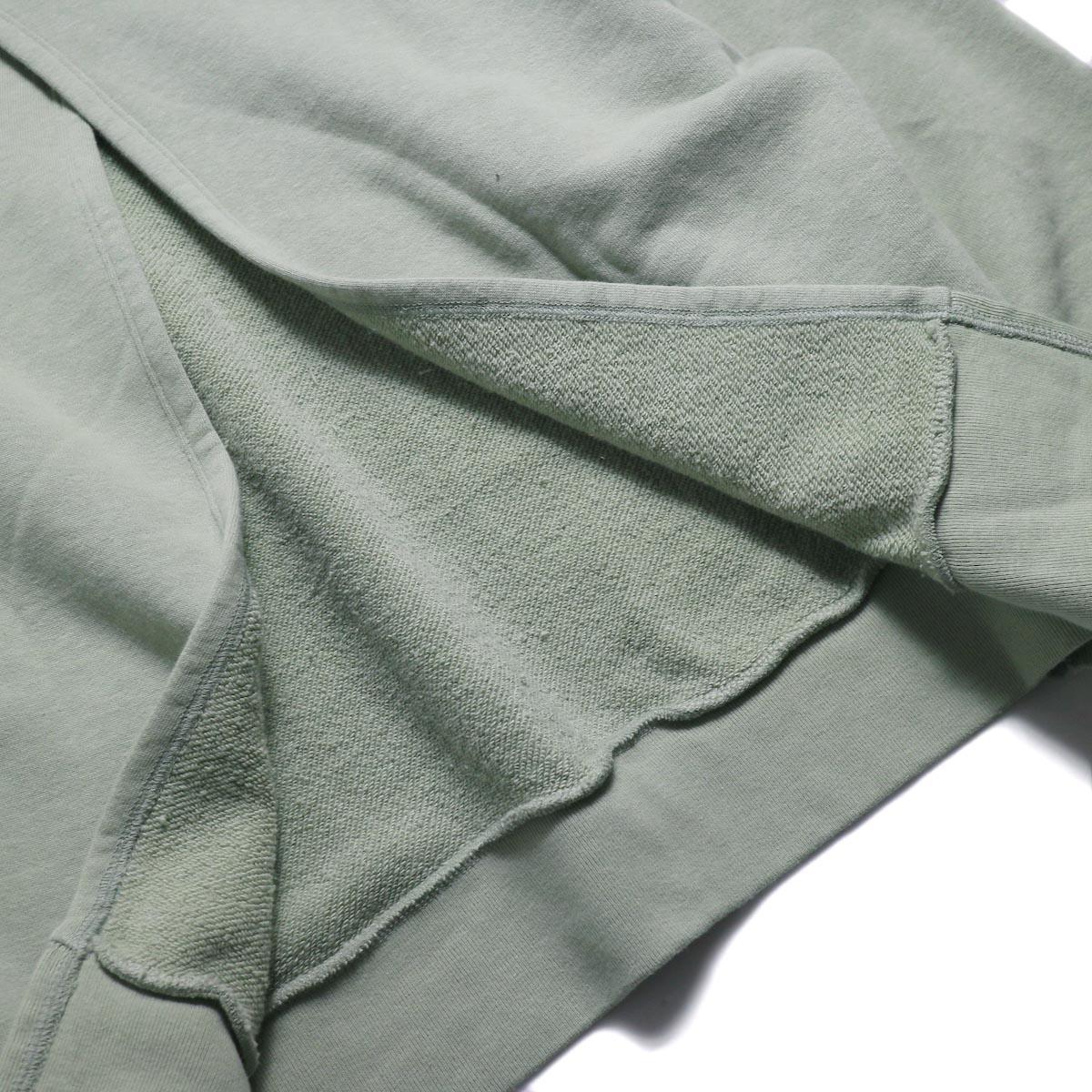 UNUSED / US1530 Crew Neck Sweat Shirt -SAGE GREEN 背面スリット