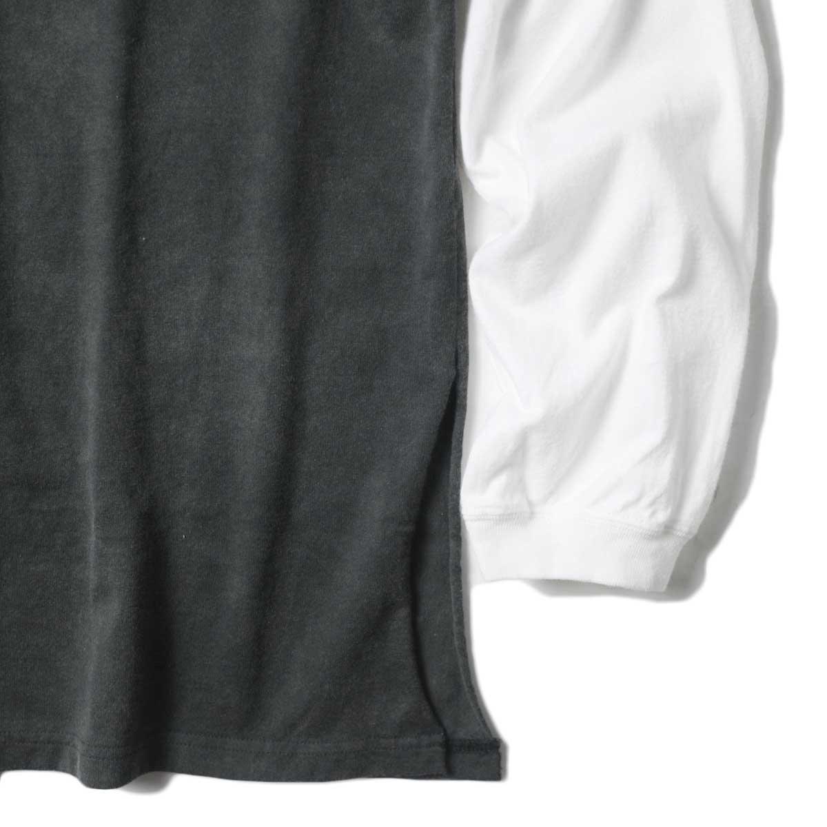UNUSED / US1957 Long  sleeve t-shirt. (Black×White) 裾・スリット