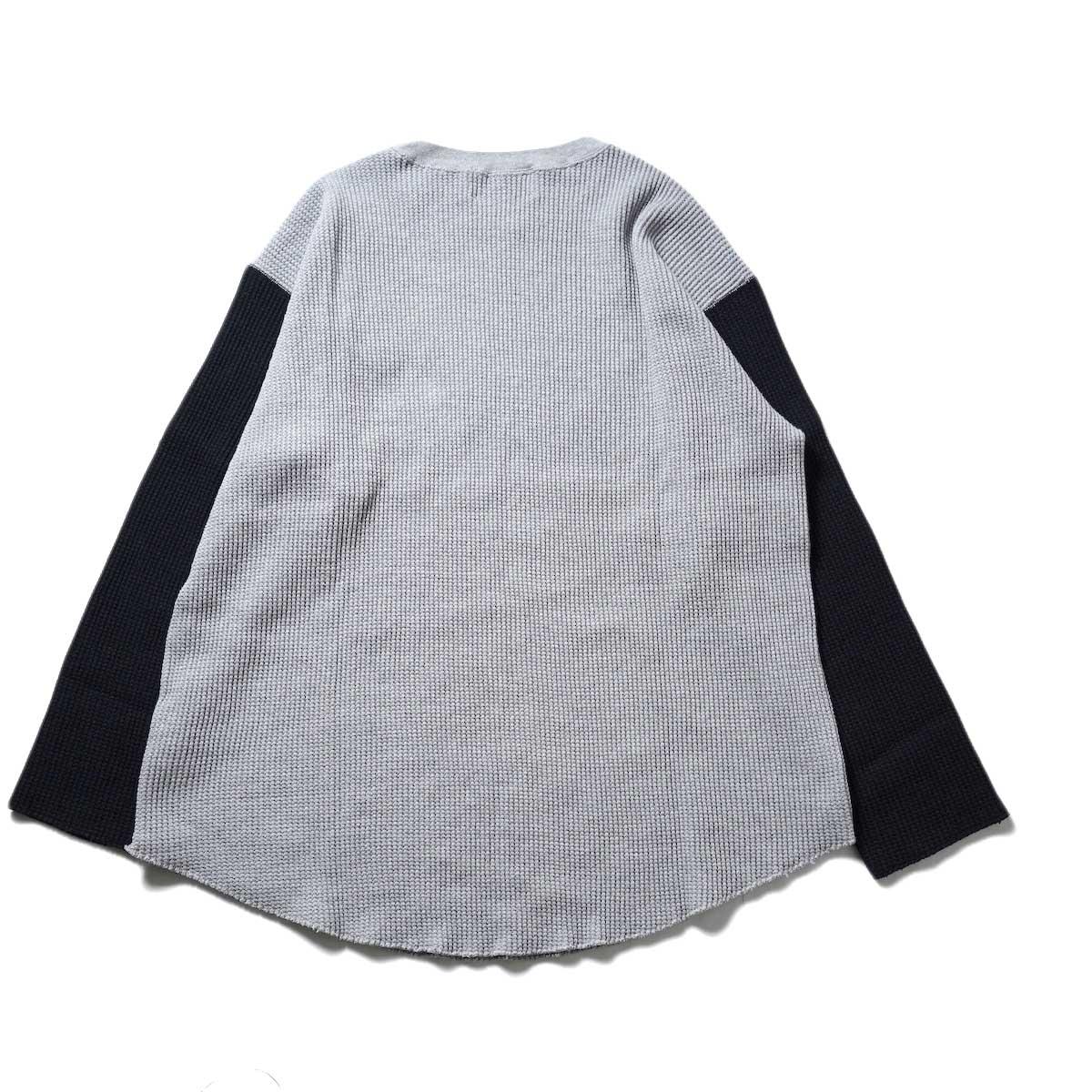 UNUSED / US2069 L/S Thermal Tee (Gray × Black)背面