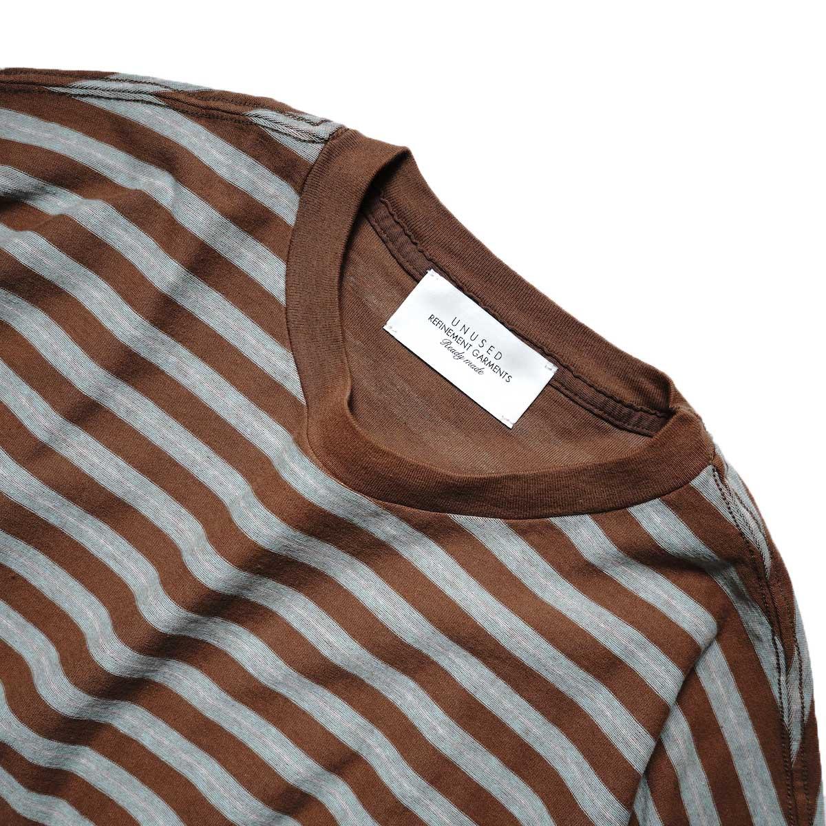 UNUSED / US2108 Border t-shirt (Brown × Sax)ネック