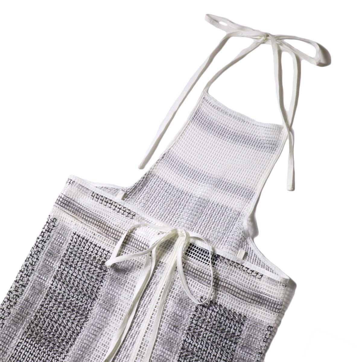 UNUSED / UW0967 cotton square mesh apron one piece 背面アップ