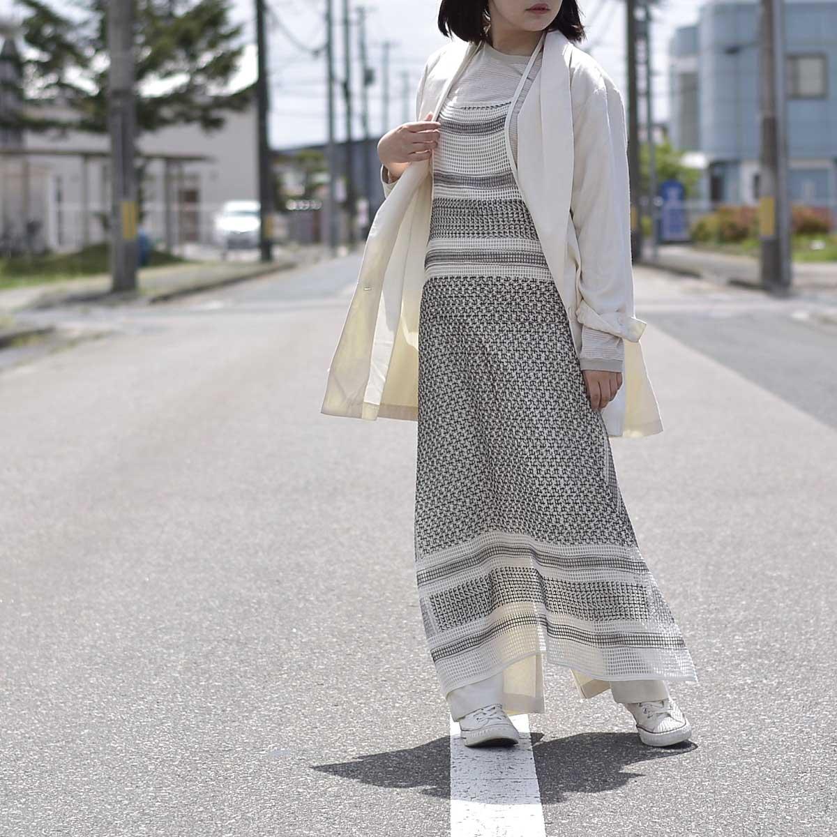 UNUSED / UW0967 cotton square mesh apron one piece 着用画像①