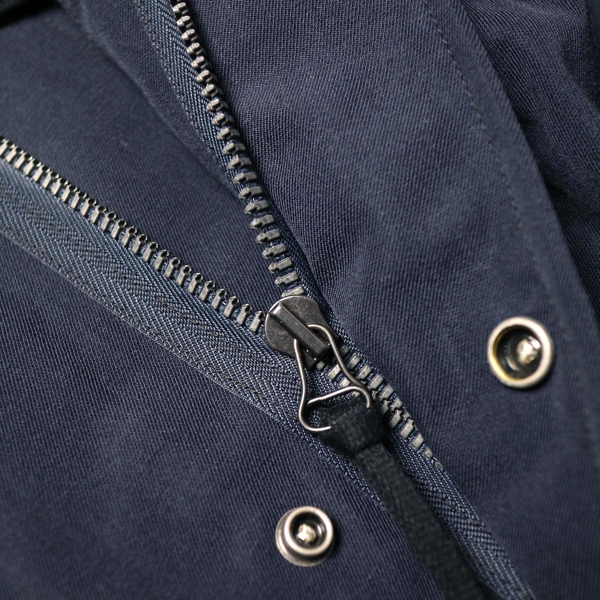 visvim / SIX-FIVE FISHTAIL PARKA (W/L) (Navy)ファスナー
