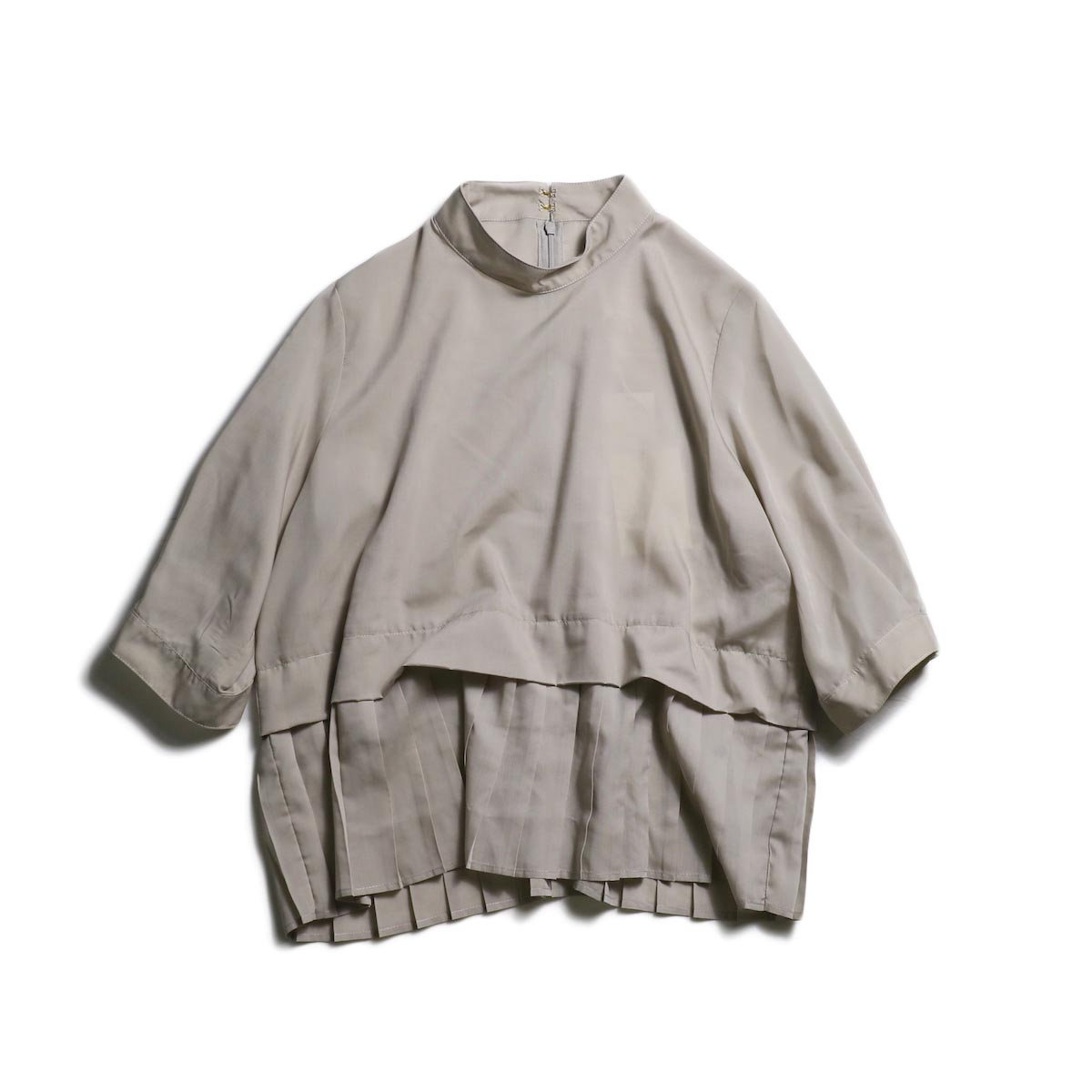 WHYTO. / Stand Collar Pleats Blouse (Grayge)