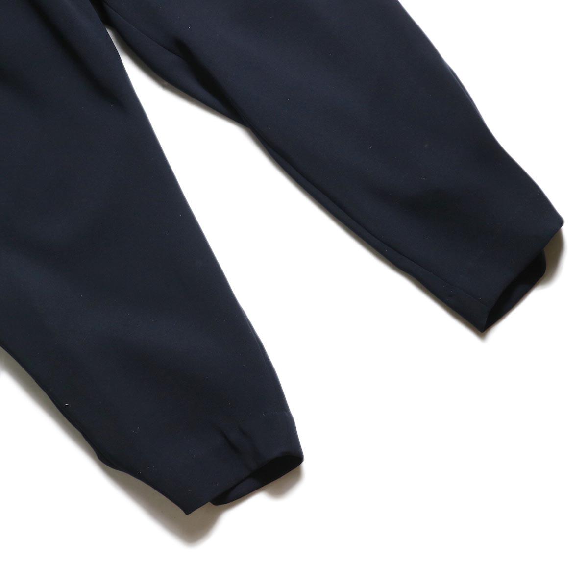 WHYTO. / ランダムタック オケージョンパンツ (Navy) 裾