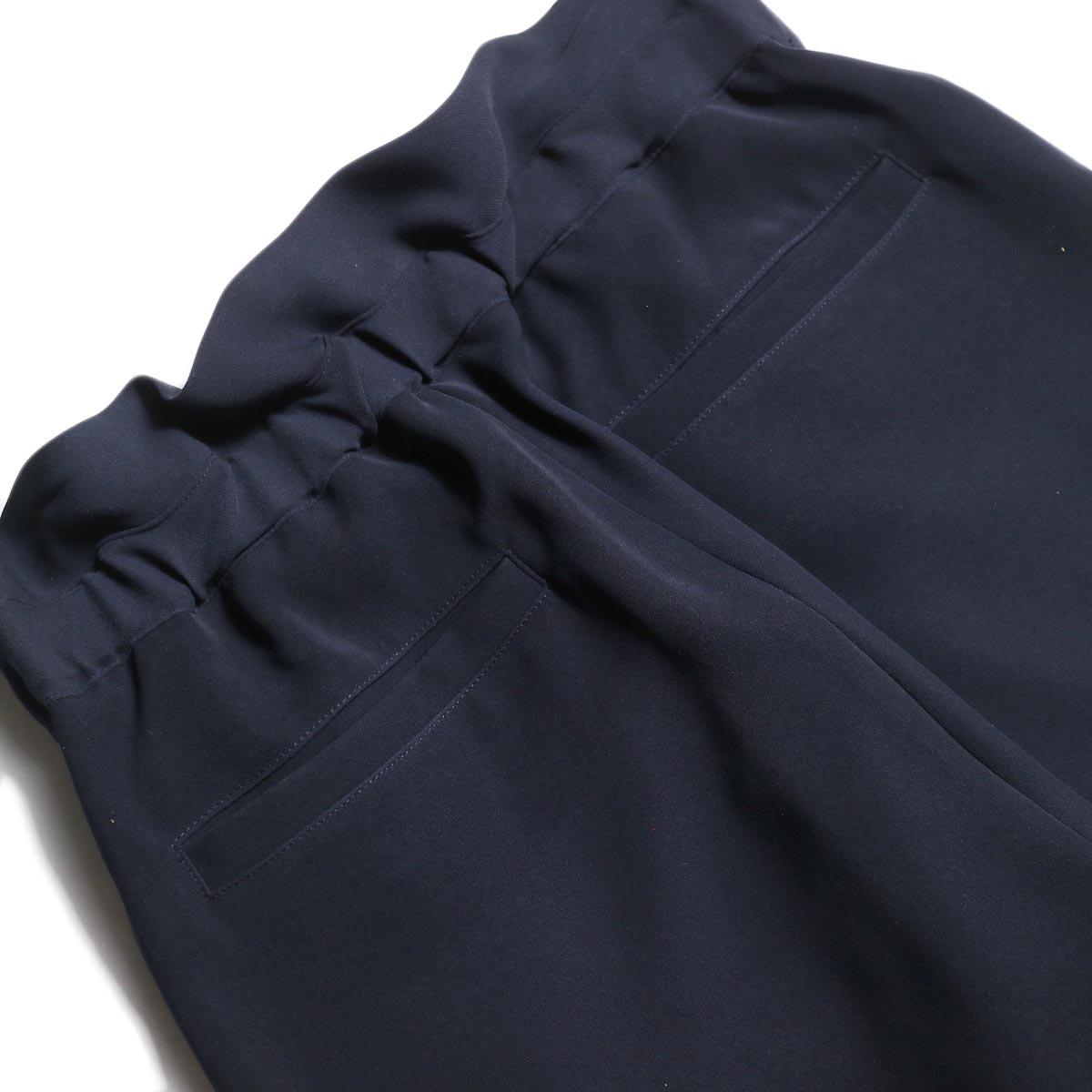 WHYTO. / ランダムタック オケージョンパンツ (Navy) バッグポケット
