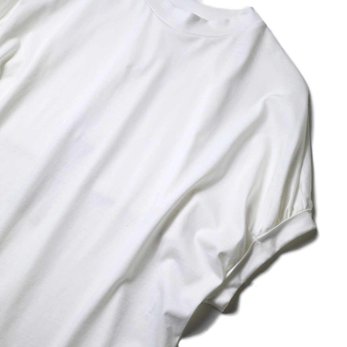 WHYTO. / ギャザースリーブカットソー (Off White) 袖