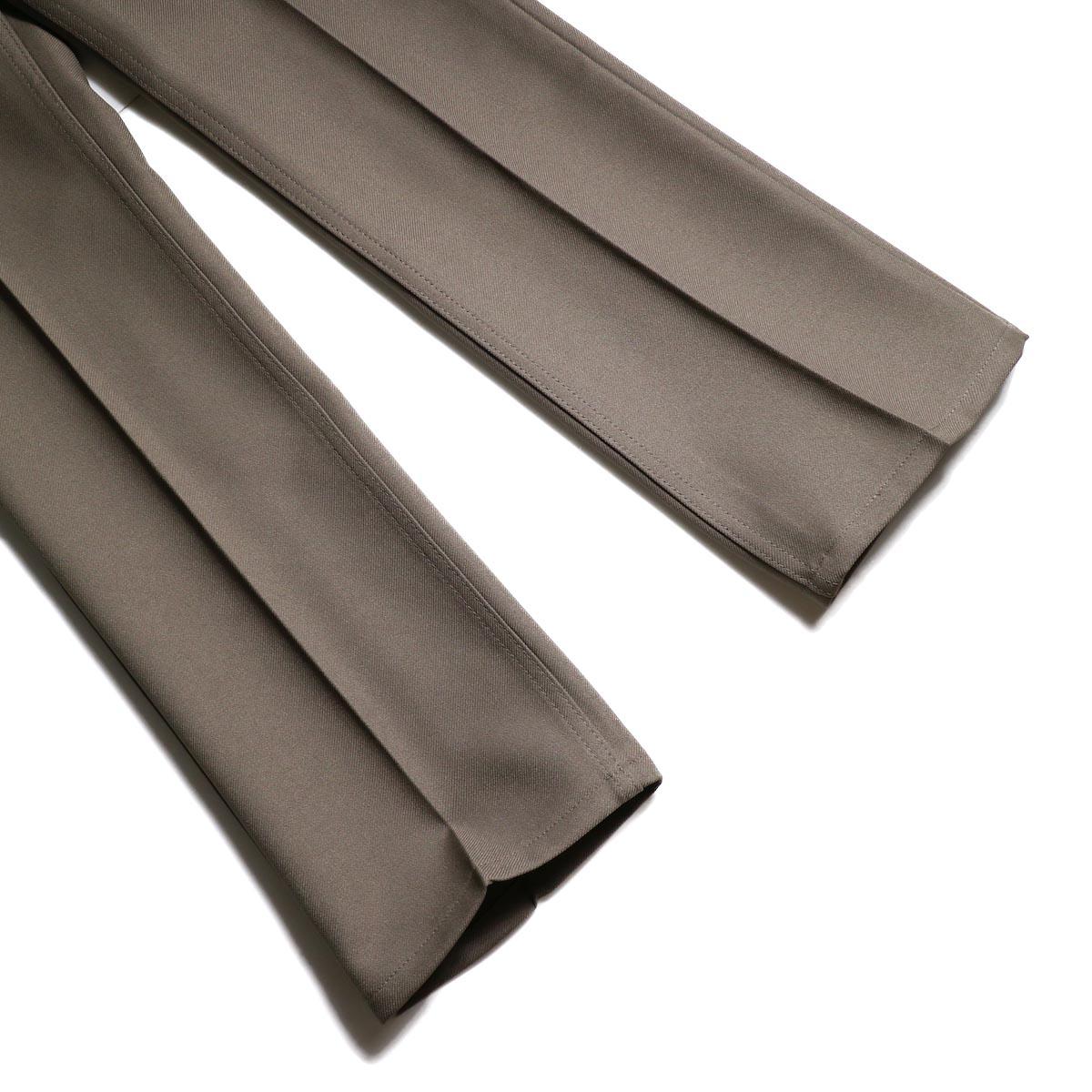 Wrangler / WRANCHER DRESS JEANS (Birch)裾