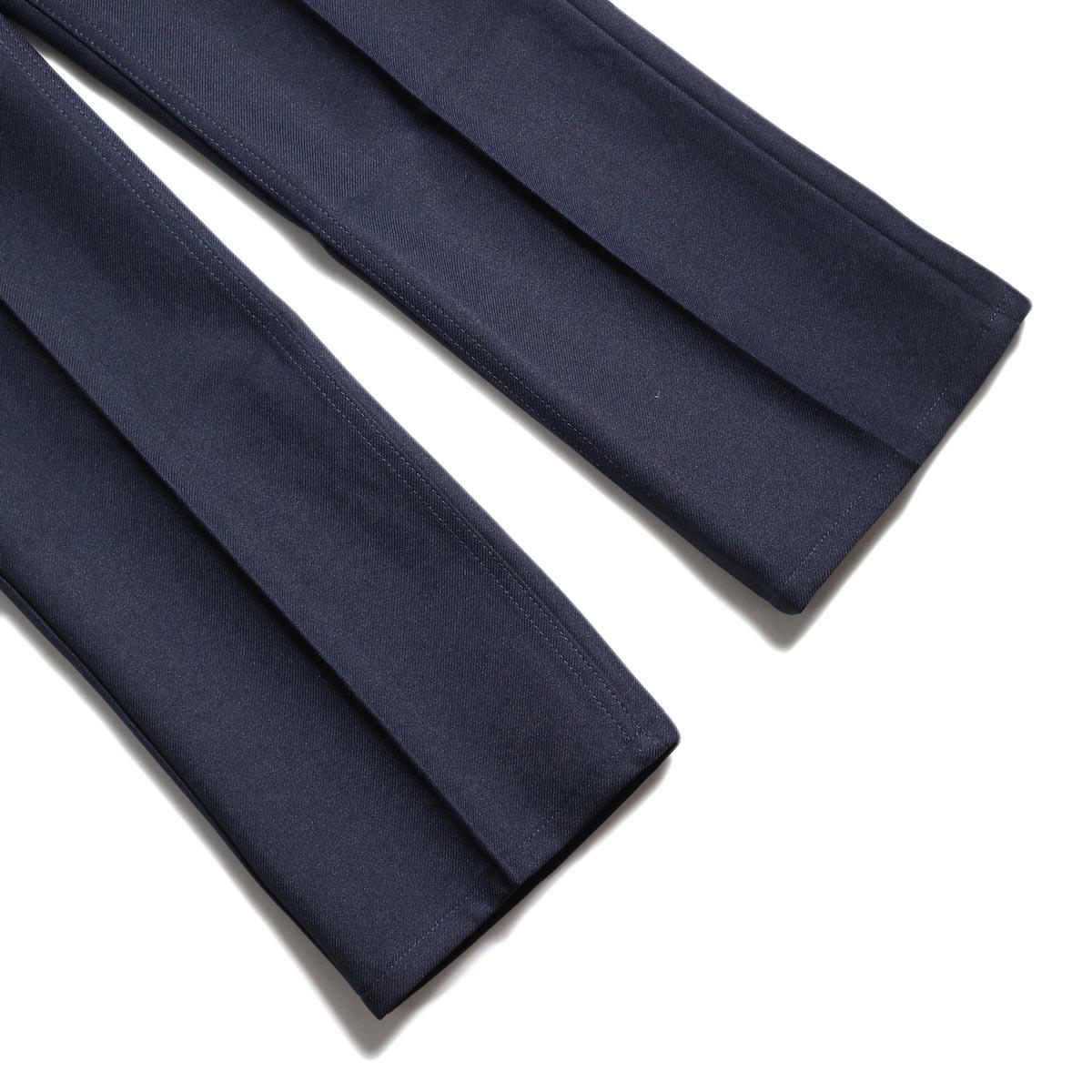 Wrangler / WRANCHER DRESS JEANS (Navy)裾