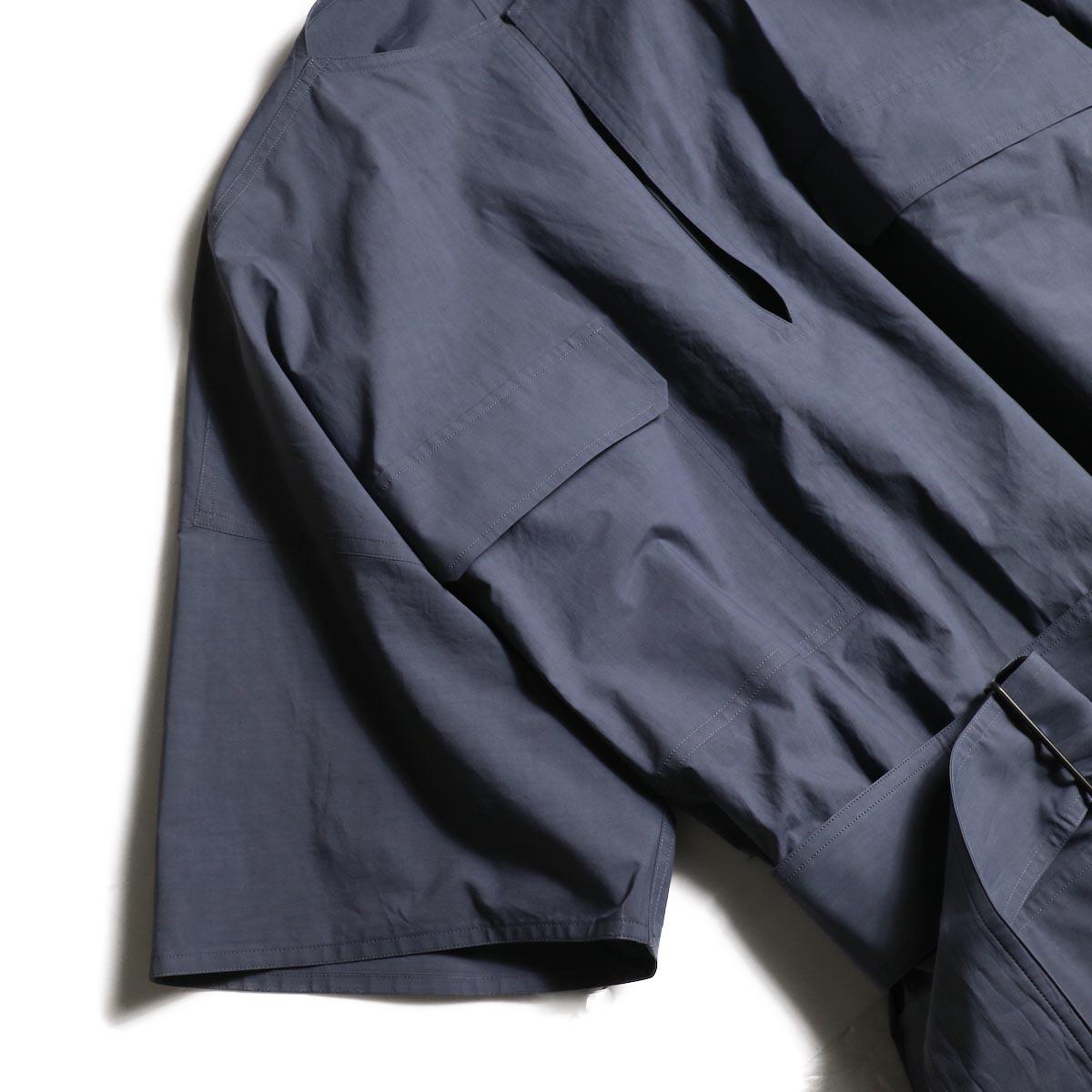 YLEVE / COTTON TYPEWRITER OP (Blue Gray)袖、ポケット