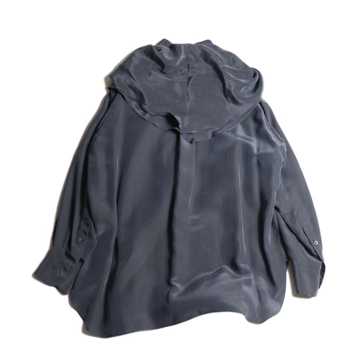 YLEVE / SILK CUPRA SUEDE BL (charcoal) スカーフ付き 背面