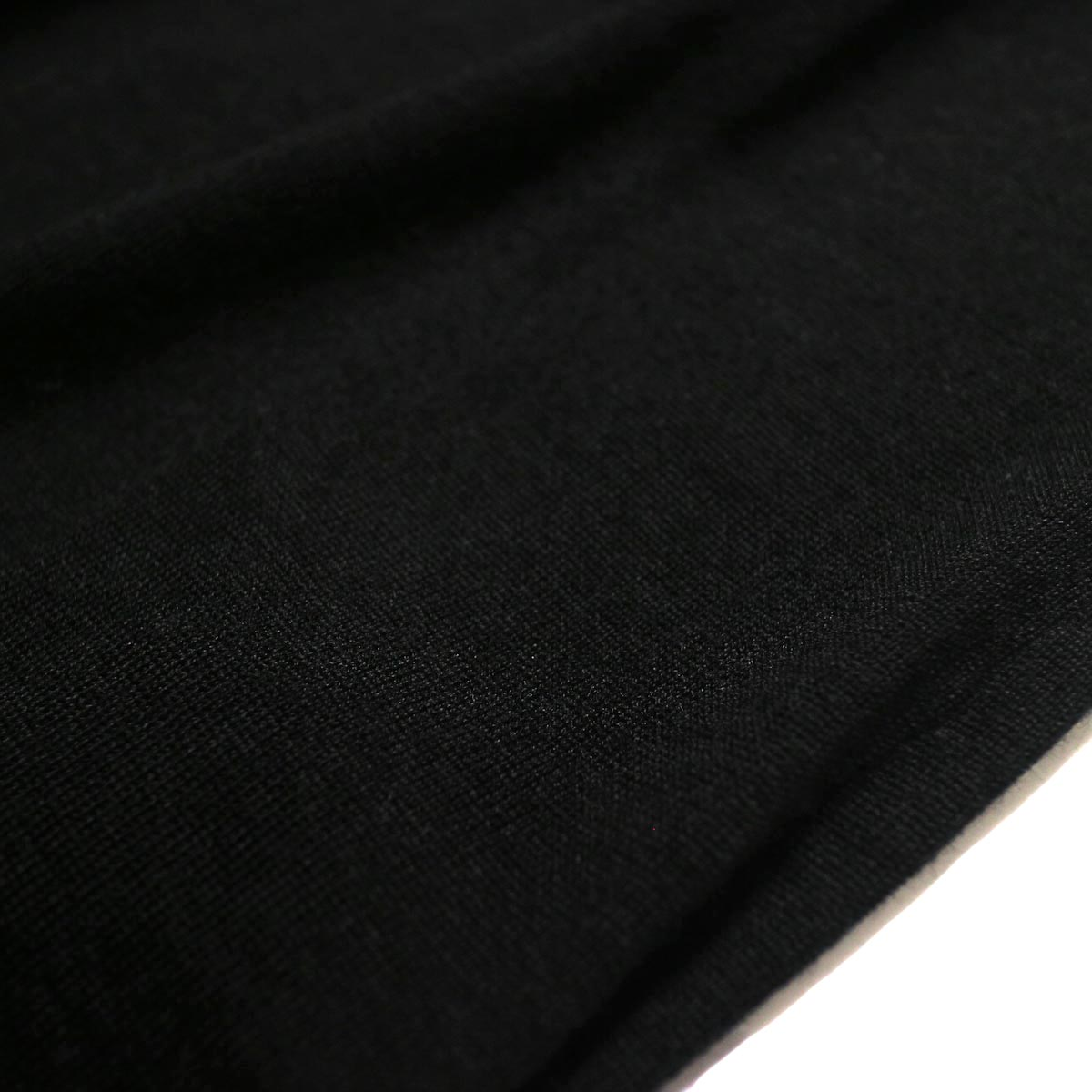 YLEVE / WOOL SILK CASHMERE POLO KN OP (black) 生地