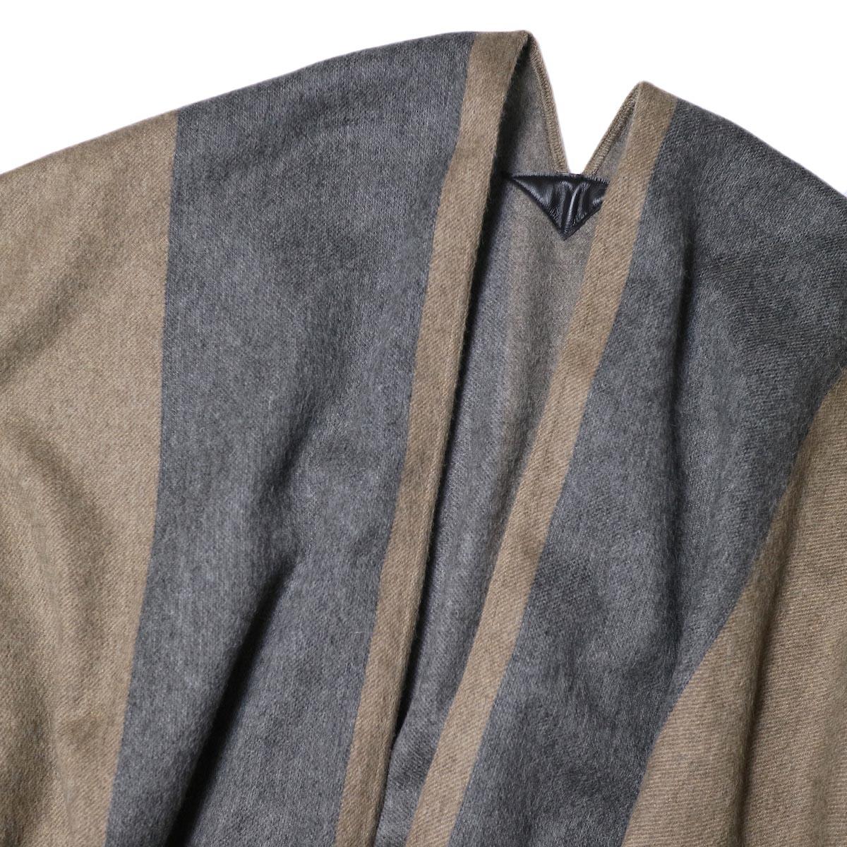 YLEVE / The Inoue Brothers Double Face Brushed Poncho (khaki beige) 襟