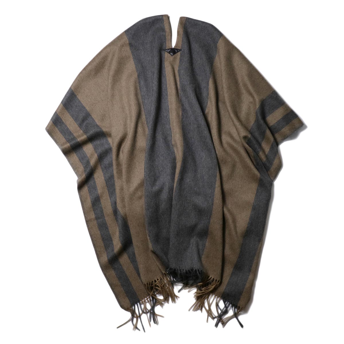 YLEVE / The Inoue Brothers Double Face Brushed Poncho (khaki beige) 背面