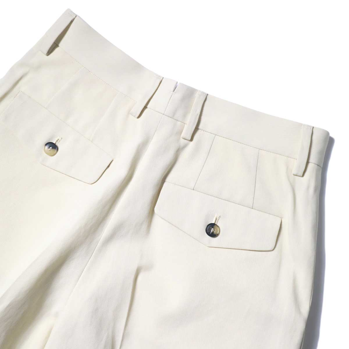 YLEVE / HIGH COUNT COTTON KERSEY SHORTS (Straw Beige) ウエスト背面