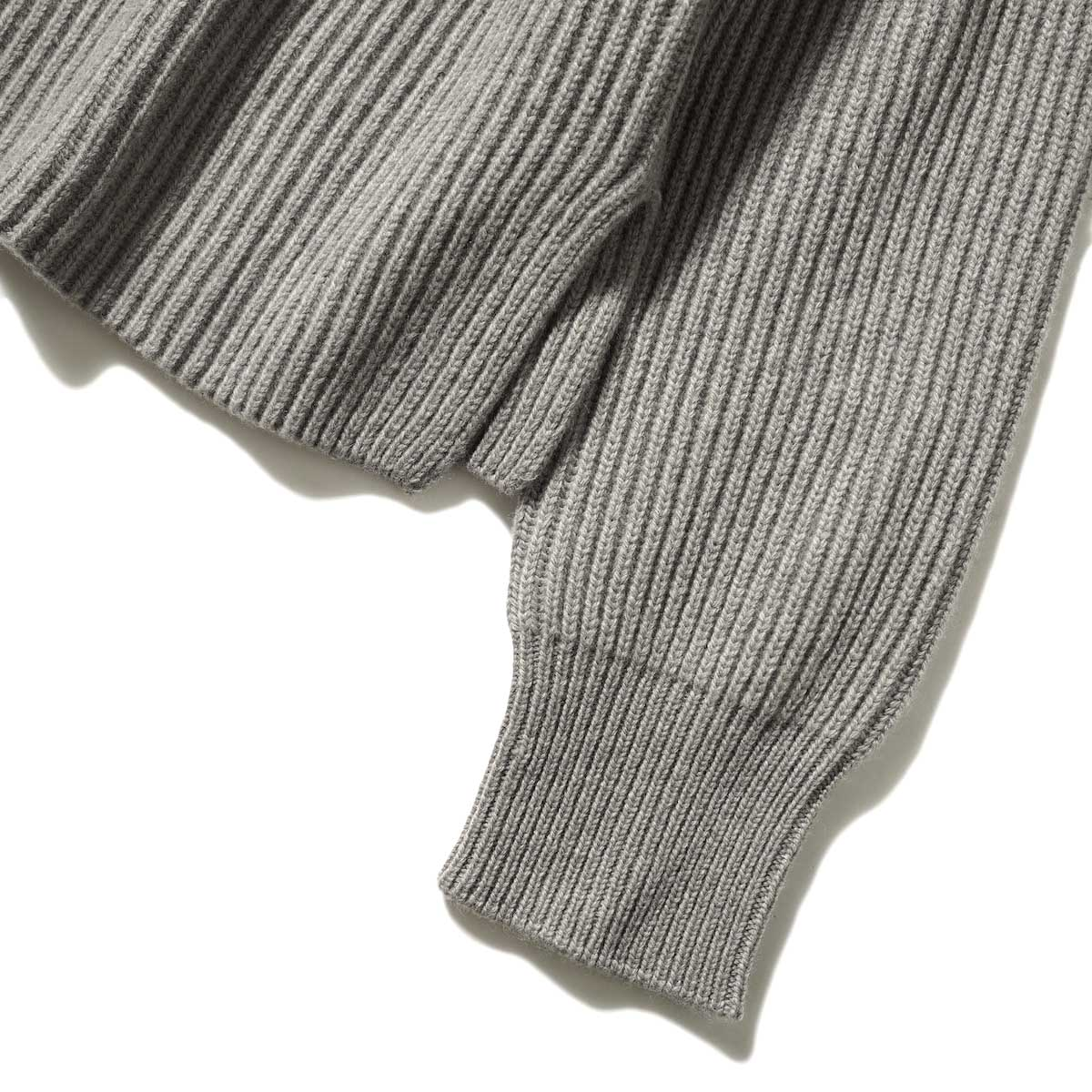 YLEVE / EX FINE MERINOWOOL KN P/O (Gray) 袖・裾スリット