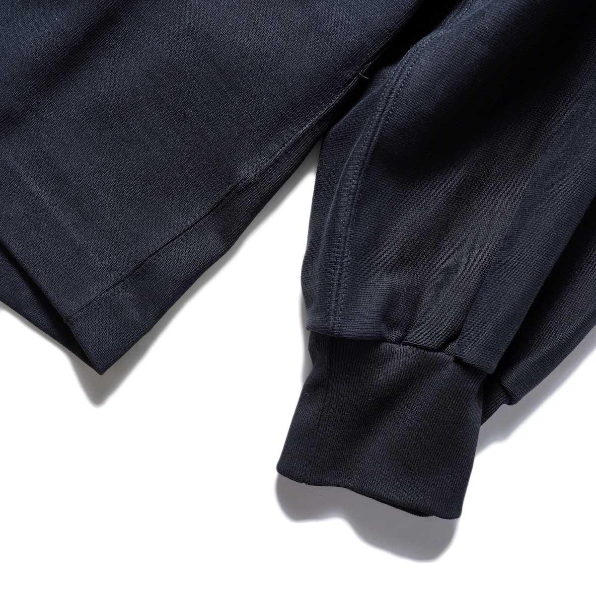 YLEVE / TWIST YARN COTTON BIG P/O (Black) 袖・リブ