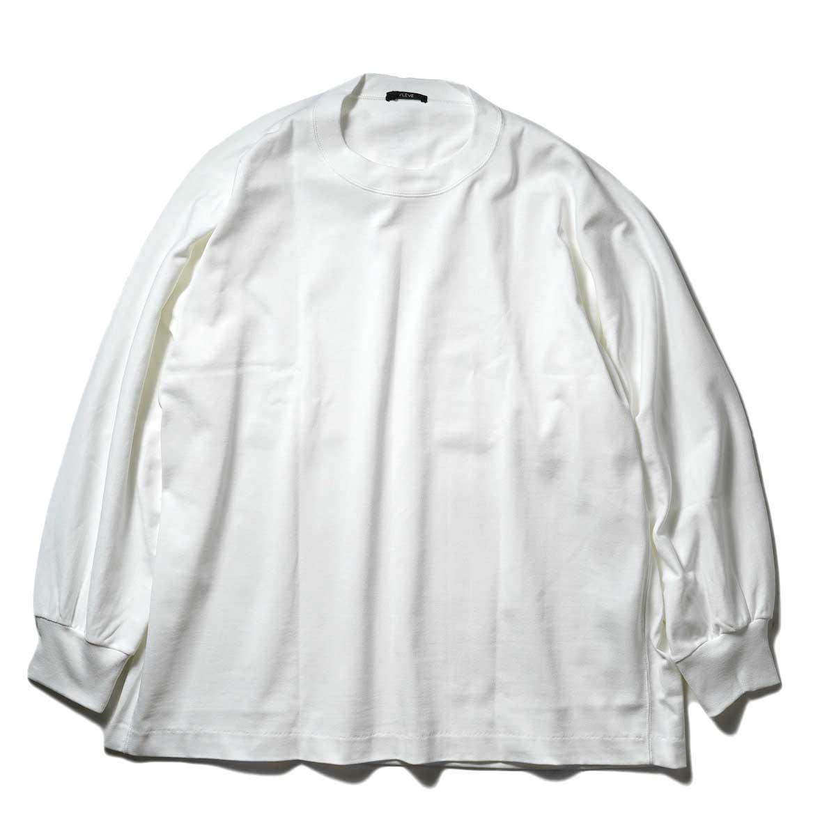 YLEVE / TWIST YARN COTTON BIG P/O (White) 正面